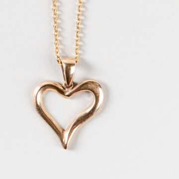 Image for Solid 9ct gold heart pendant