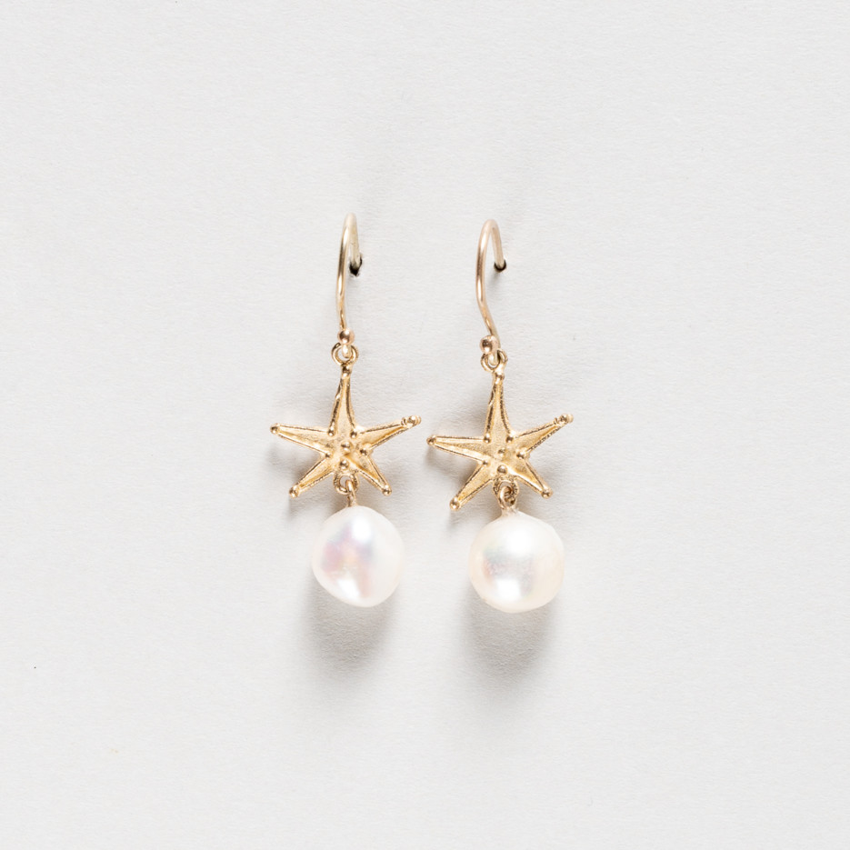 Image of Star fish and pearl earrings