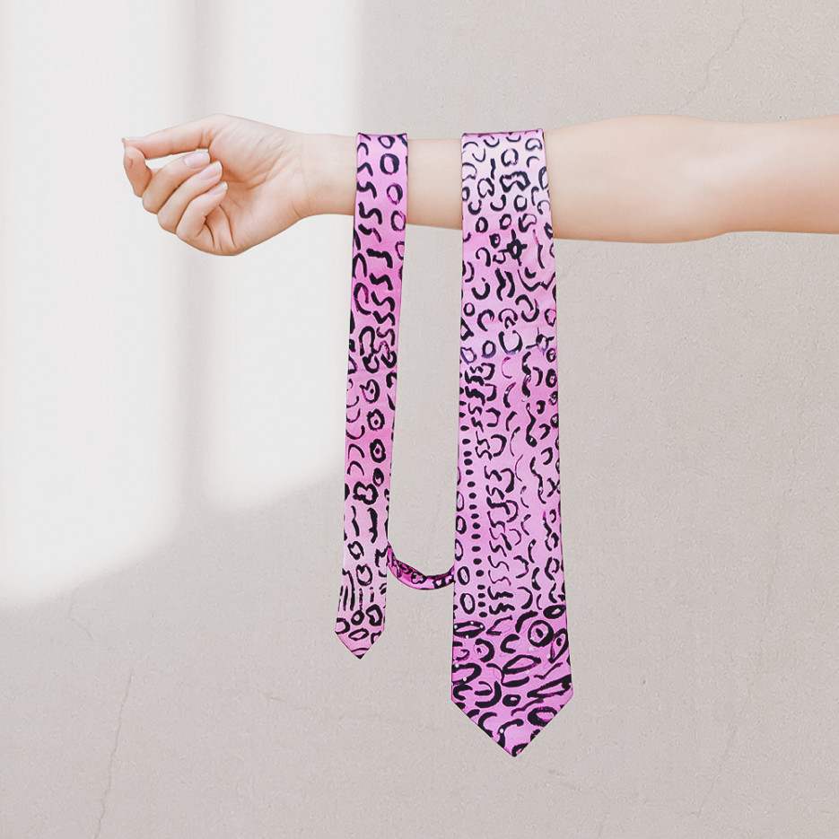 Image of Tie by Helen Dale Samson | One of Twelve